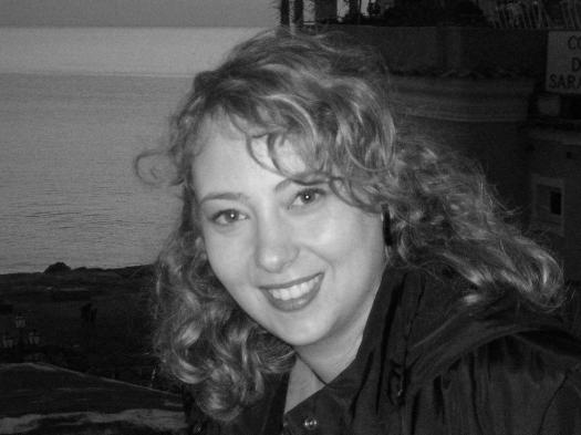 Eleonora Flammia è nata a Napoli il 26 settembre 1977. Laureata in Giurisprudenza, è avvocato a Napoli, e ha svolto pratica nel settore civile e nel settore del diritto del lavoro e della previdenza.