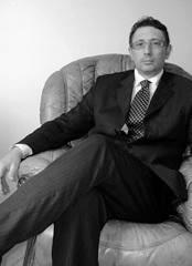"""Natale Ferrara è nato a Napoli nel 1967, laureato in Giurisprudenza è Avvocato, ha svolto pratica e consulenza notarile e frequentato la scuola notarile """"Anselmo Anselmi"""".Dal 1997 dirige l' """"Istituto Superiore di Studi Giuridici"""" scuola di indirizzo e formazione degli aspiranti avvocati, con sede in Napoli presso la quale insegna Diritto e Procedura Civile. Nel 2003 è stato nominato Giudice Onorario presso il Tribunale di Napoli. E' il fondatore della nostra rivista Juris News. Ha contribuito alla pubblicazione di testi giuridici: Nuovo Prontuario dei Codici dei Negozi Giuridici (Edizioni Bigni – Notariato – Lucca 1997); Pareri Motivati di Diritto Civile (Edizioni Giuridiche Simone 2001); Nuovissimi Pareri Motivati di Diritto Civile (Edizioni Giuridiche Simone 2002); Pareri Motivati e Atti Giudiziari 2003 (Edizioni Giuridiche Simone 2003); Appunti alle Lezioni di Diritto Civile (Edizioni ISSG 2004); Pareri di Diritto Civile 2004 (Edizioni ISSG); Ultimissimi pareri motivati di diritto civile 2007 ( Edizioni Giuridiche Simone 2007); Istituti e Nature giuridiche di Diritto Civile – Rassegna di opinioni dottrinali e giurisprudenziali sui principali istituti di diritto civile – 2008 ( Edizioni Giuridiche Simone 2008); Ultimissimi Pareri Motivati di Diritto Civile 2009 ( Edizioni Giuridiche Simone 2009)"""