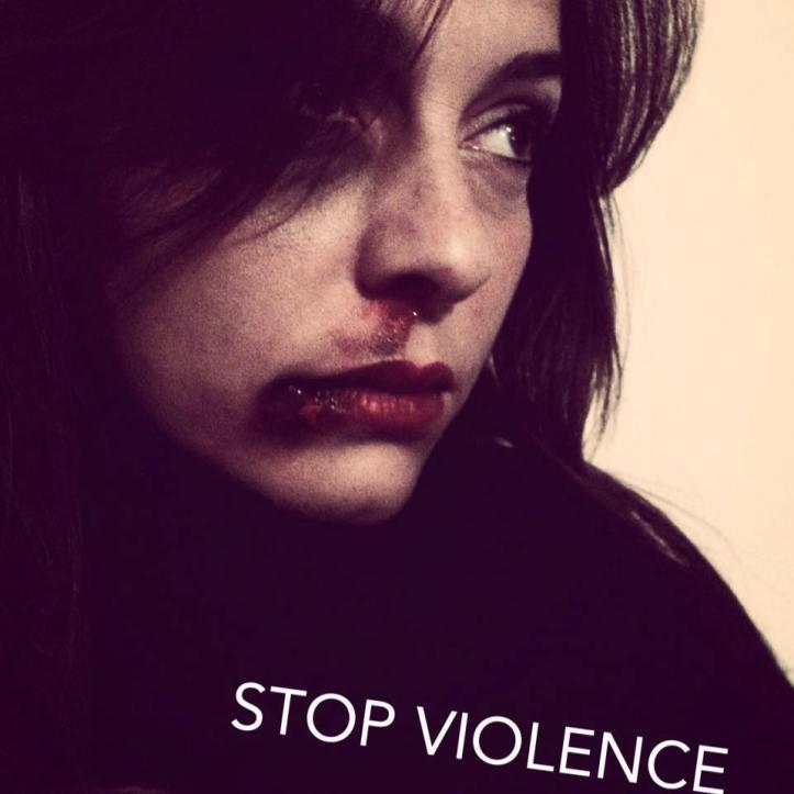 """CAMPAGNA """" IO CONTRO LA VIOLENZA CI METTO LA FACCIA"""" - Avvocato Olga Izzo"""