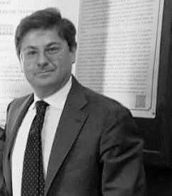 Alessandro Gargiulo è avvocato del Foro di Napoli. Si occupa di diritto societario, di diritto fallimentare e di responsabilità civile e professionale, specializzato nella difesa dei Sindaci di Società di Capitali, dei Promotori Finanziari e dei Medici. Coordina la Commissione di studio Responsabilità Professionale presso il Consiglio dell'Ordine degli Avvocati di Napoli.