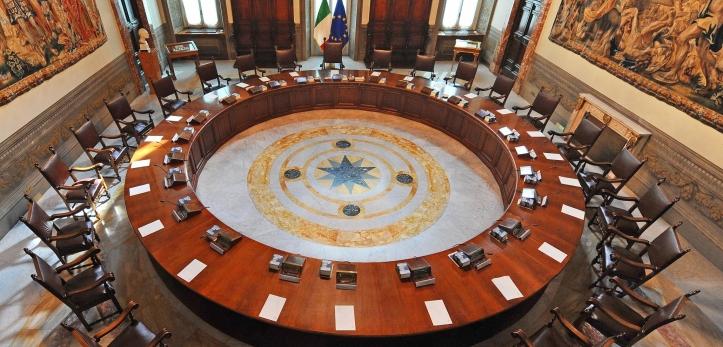 Sala_del_Consiglio_dei_Ministri_(Palazzo_Chigi,_Roma).jpg