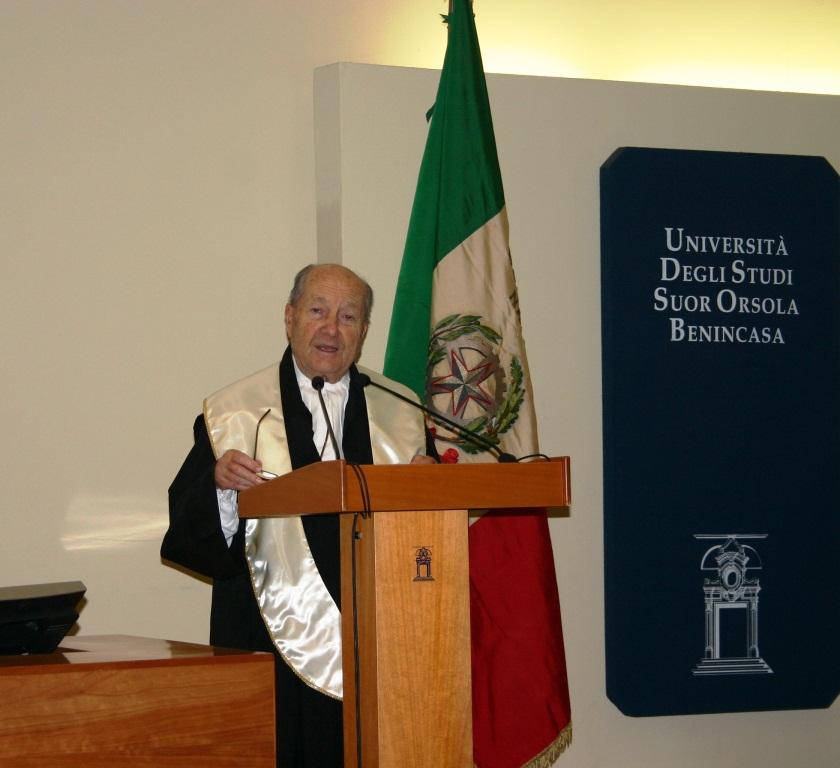 Il presidente emerito della Corte Costiutuzionale Paolo Grossi al Suor Orsola.JPG